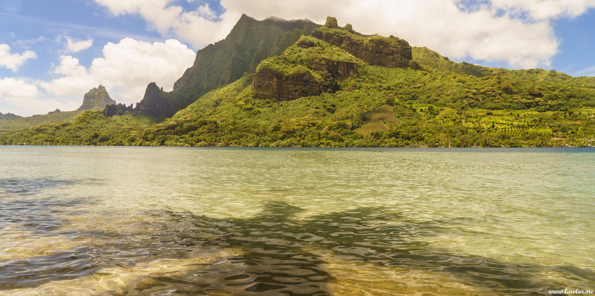 Cooks Bay, Moorea - French Polynesia, Free Landscape Photography, free landscape photos, free nature images, free HD images, free high definition stock images, free stock images download, desktop background, desktop wallpapers, free screensaver, landscape photography