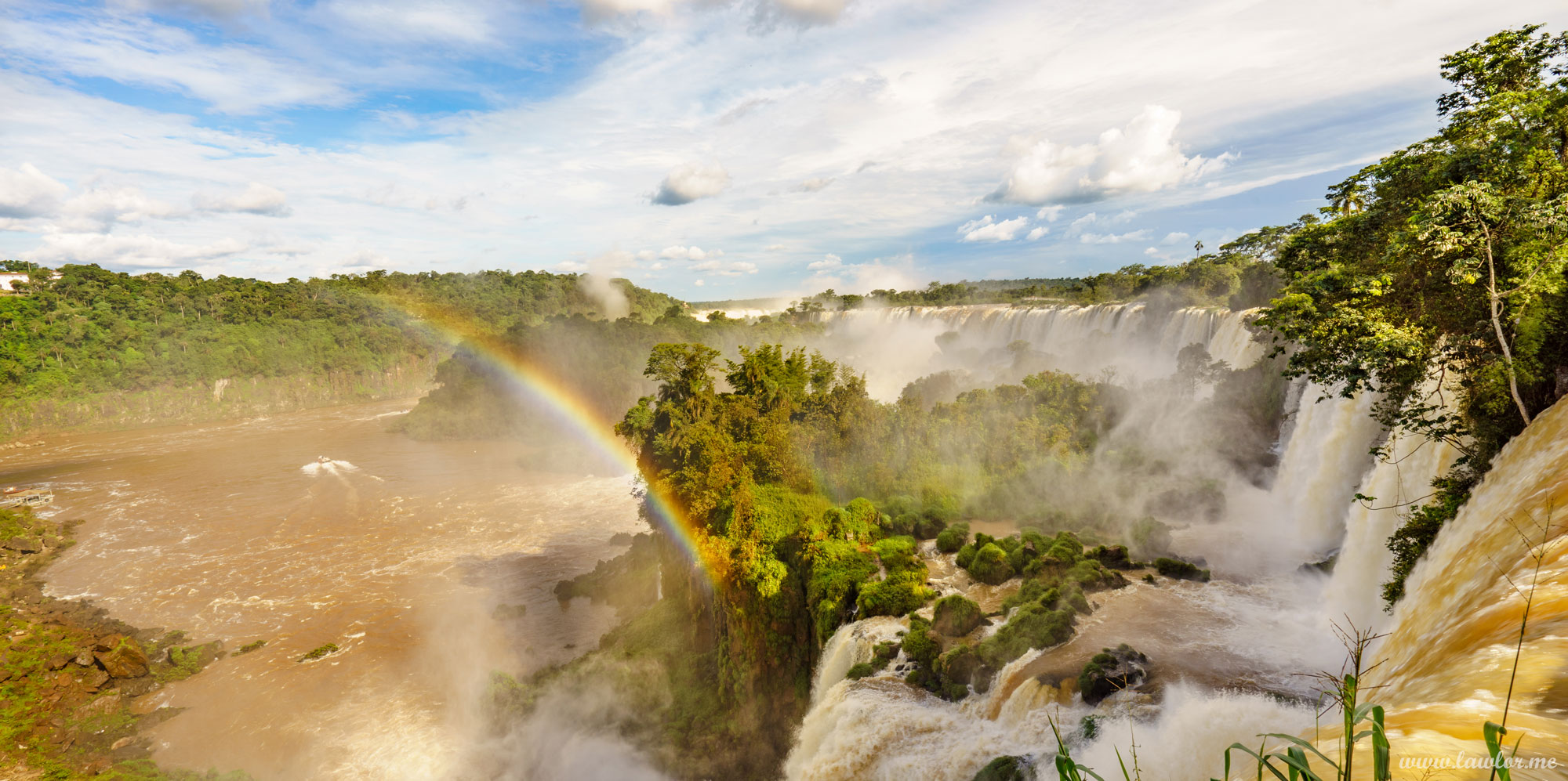 Free Landscape Photography, free landscape photos, free nature images, free HD images, free high definition stock images, free stock images download, desktop background, desktop wallpapers, free screensaver, landscape photography, lawlor's landscape's, steve Lawlor photography, Iguazu falls argentina, Iguassu, rainbow